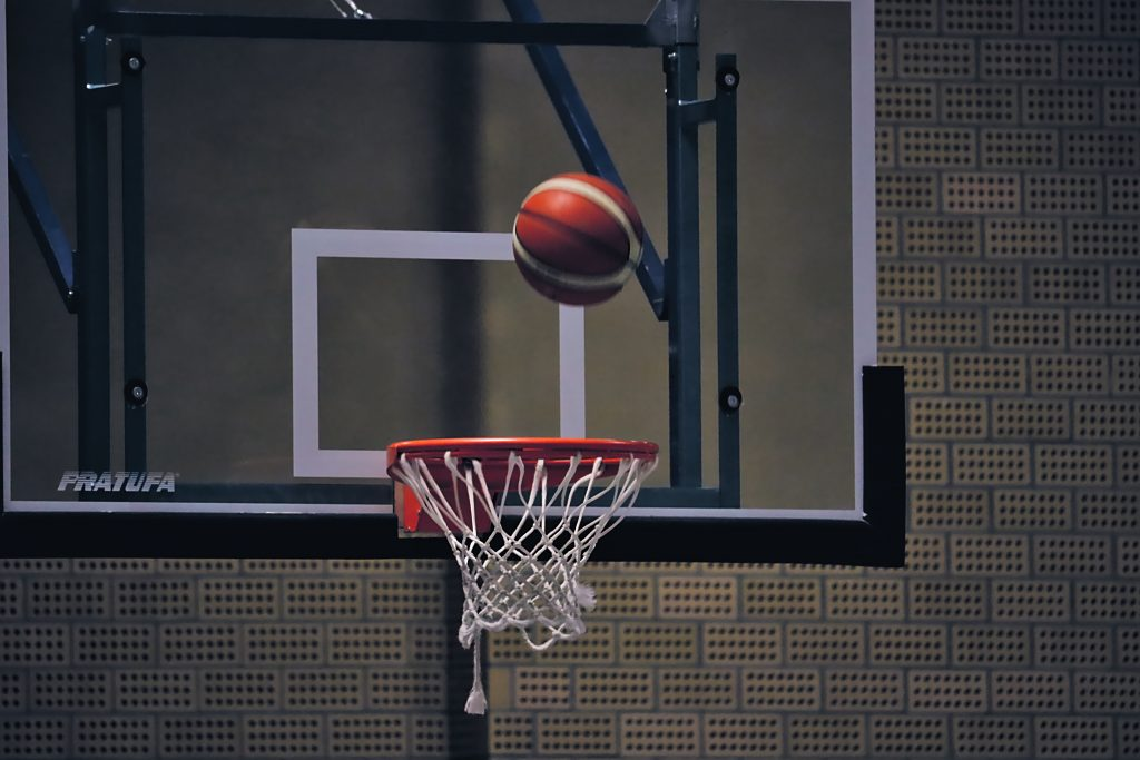 Basketballkörbe für Kibo!!